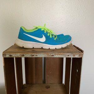 Women's size 6 Nike's